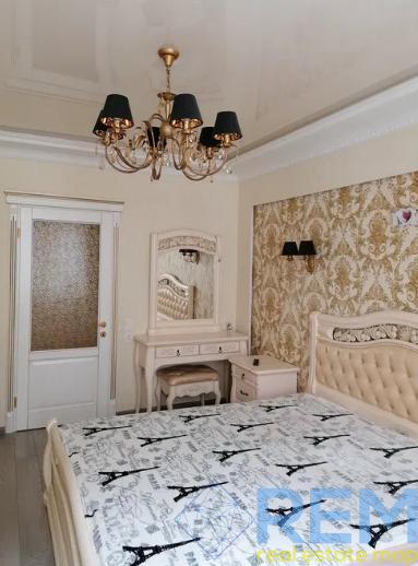 продажа трехкомнатной квартиры номер A-163126 в Приморском районе, фото номер 6